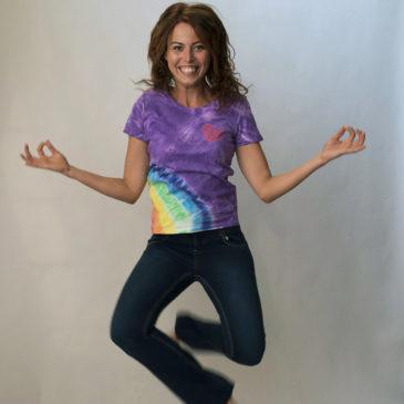Tričko s dúhou a srdcom fialové